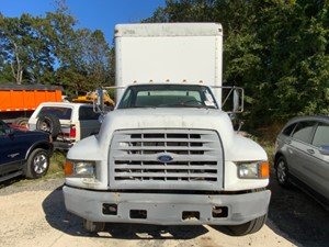 Ford F800 - Salvage H84765