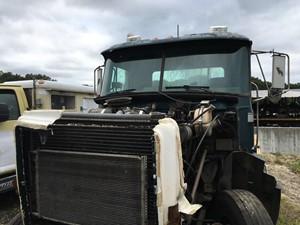 Mack CH613 - Salvage F56062