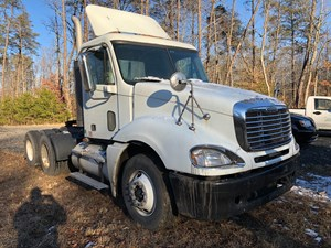 Freightliner CL120 Columbia - Salvage TEST FOR JASON