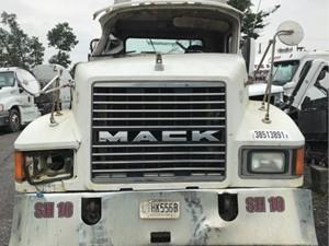 Mack CHN613 - Salvage H84734