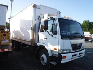 UD/Nissan UD3300 - Salvage F73008