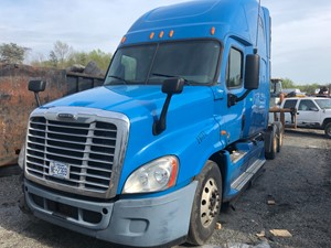 Freightliner Cascadia 125 - Salvage F55914