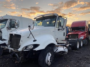 International PROSTAR - Salvage SV-20771