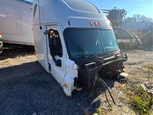 Freightliner Cascadia 125 - Salvage H84781