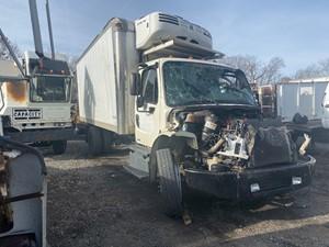 Freightliner M2 106 - Salvage F56143