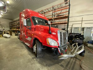 Freightliner Cascadia 125 - Salvage F56118