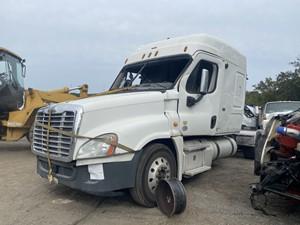 Freightliner Cascadia 125 - Salvage F73001