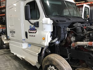 Freightliner Cascadia 125 - Salvage F55913