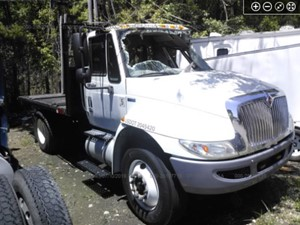 International DuraStar 4300 - Salvage F56058