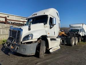 Freightliner Cascadia 125 - Salvage F56292