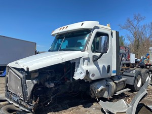 Freightliner Cascadia 125 - Salvage SV-23788