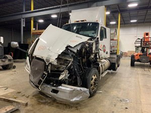 Kenworth T680 - Salvage SV-175