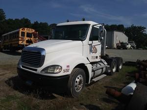 Freightliner COLUMBIA 120 - Salvage 4