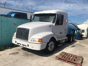 Volvo VN - Salvage SV-193 ONE STOP PARTS