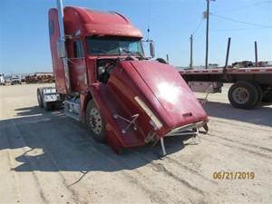 Freightliner FLD120 - Salvage SV-195 ONE STOP PARTS