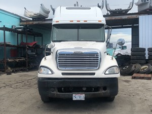 Freightliner COLUMBIA 120 - Salvage SV-198 ONE STOP PARTS