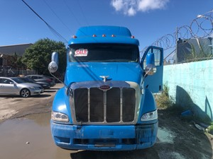 Peterbilt 387 - Salvage SV-213 ONE STOP PARTS