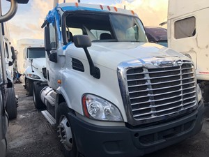 Freightliner Cascadia 113 - Salvage SV-224 ONE STOP PARTS