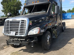 Freightliner Cascadia 125 - Salvage SV-135