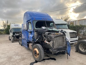 Freightliner Cascadia 125 - Salvage SV-401