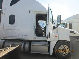 Freightliner Cascadia 125 - Salvage CAS-9561