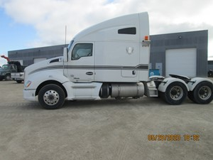 Kenworth T680 - Salvage T68-9890