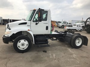 International 4400 - Complete 25
