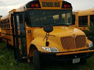International CE Bus - Complete 51037