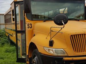 International CE Bus - Salvage 51024