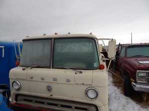 Ford C600 - Salvage 5070