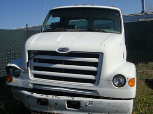 Sterling L7500 - Salvage 5039