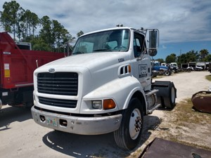 Sterling L8500 - Salvage 29