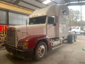 Freightliner FLD120 - Salvage 1382