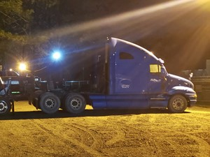 Kenworth T2000 - Salvage 220