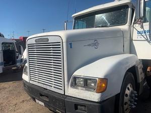Freightliner FLD120 - Salvage 1122