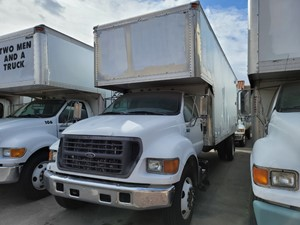 Ford F-650 - Salvage 1300