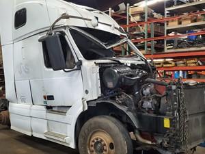 Volvo VNL - Salvage 1214