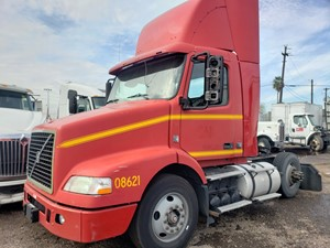 Volvo VNM - Salvage 1110