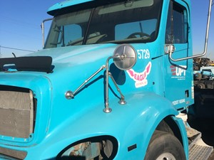 Freightliner COLUMBIA 112 - Salvage 1046