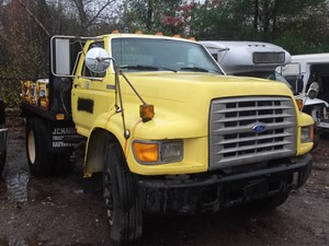 Ford F800 - Salvage SV-23