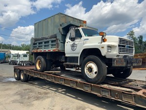 Ford F800 - Salvage 73