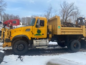 Mack CV712 Granite - Salvage 26