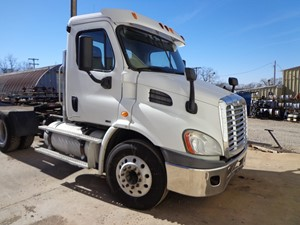 Freightliner Cascadia 113 - Complete M579