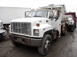 GMC C7500 - Salvage SV-43