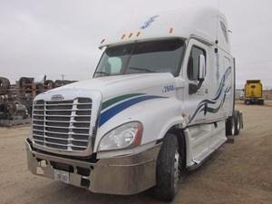 Freightliner Cascadia 125 - Salvage CSBE9280