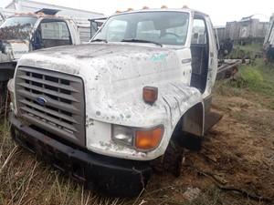 Ford F700 - Salvage TA059