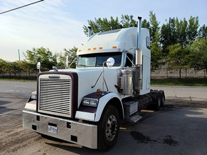 Freightliner Classic 120 - Salvage P-2131
