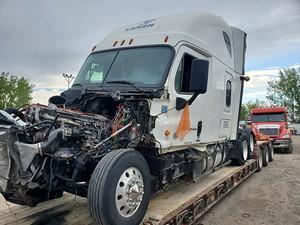 Freightliner Cascadia 125 - Salvage P-2016