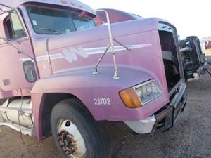 Freightliner FLD120 - Salvage 13