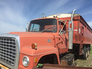 Ford 8000 - Salvage SV-211